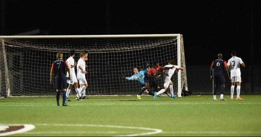 Men's soccer: Bonnies honor seniors, drop close contest to Saint Louis