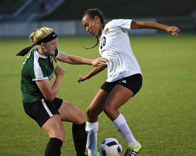 Women's soccer: Bonnies overpower Niagara in 4-1 victory