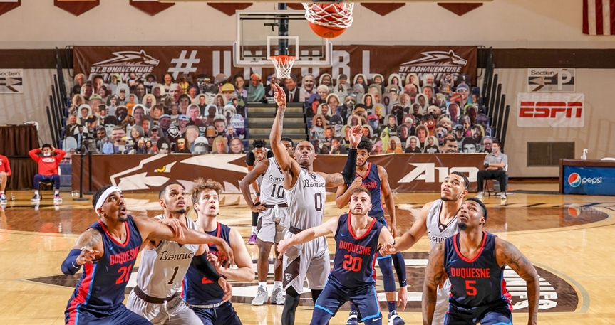 Bonnies close out Duquesne in primetime