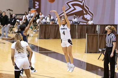 NEW: Brown, Johnson lead Bonnies past Duquesne